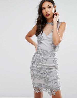 Lipsy Платье-футляр с верхним слоем из прозрачного кружева. Цвет: серебряный