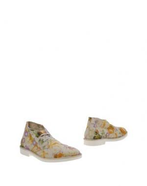 Полусапоги и высокие ботинки WALLY WALKER. Цвет: слоновая кость