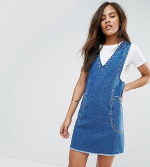 ASOS Tall Выбеленное синее джинсовое платье мини Chuck On. Цвет: синий