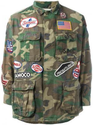 Куртка с нашивками в стиле милитари Htc Hollywood Trading Company. Цвет: зелёный