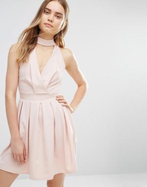 Wal G Короткое приталенное платье с отделкой горловины. Цвет: розовый