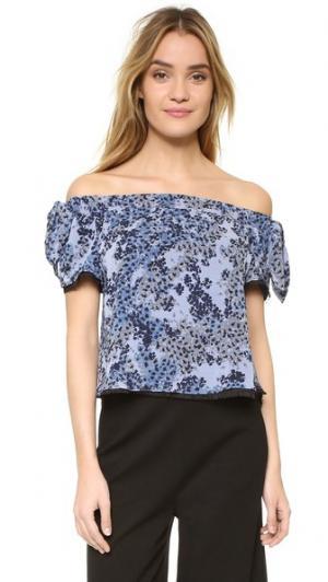 Топ со спущенными плечами Kylie Timo Weiland. Цвет: синие вишневые цветы