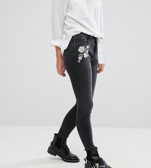 New Look Petite Зауженные джинсы с вышивкой. Цвет: серый