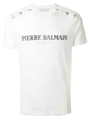 Футболка с заклепками и логотипом Pierre Balmain. Цвет: белый