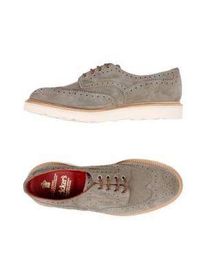 Обувь на шнурках TRICKER'S. Цвет: светло-серый