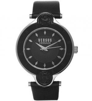 Часы круглой формы с логотипом бренда VERSUS