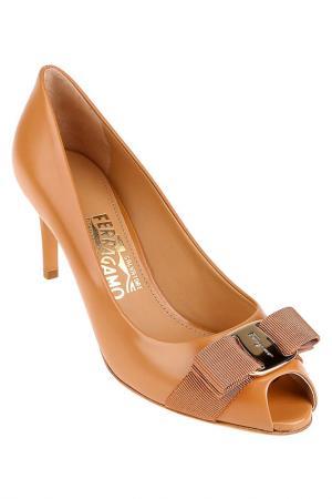 Туфли pola Salvatore Ferragamo. Цвет: коричневый