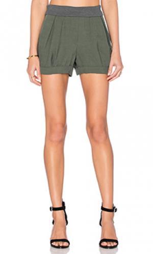 Петельные плиссированные шорты James Jeans. Цвет: зеленый