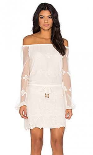 Мини платье Chaser. Цвет: белый