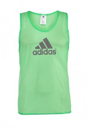 Майка adidas Performance. Цвет: зеленый