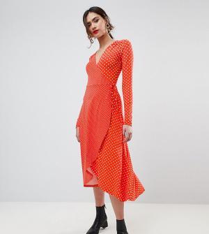 ASOS Tall Чайное платье миди в горошек с запахом и длинными рукавами. Цвет: мульти
