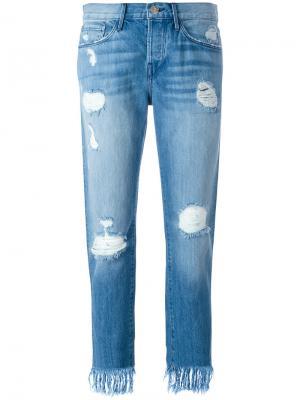 Укороченные джинсы с потертой отделкой 3X1. Цвет: синий