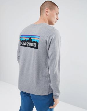 Patagonia Серый меланжевый лонгслив с логотипом на спине. Цвет: серый