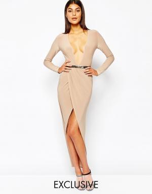 Club L Облегающее платье с запахом, драпировкой и ремнем. Цвет: розовый