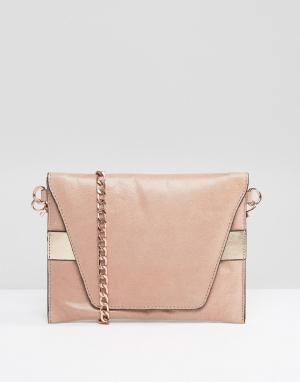 Urbancode Кожаная сумка через плечо с ремешком цвета розового золота. Цвет: розовый