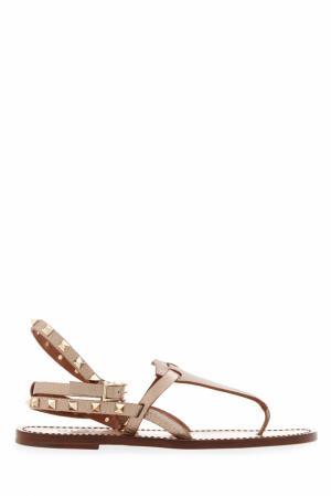 Кожаные сандалии Rockstud Valentino. Цвет: бежевый