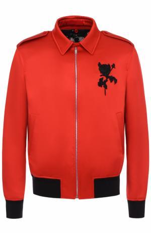 Шелковый бомбер на молнии с пуховой подстежкой Alexander McQueen. Цвет: красный