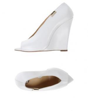 Туфли ELISABETTA FRANCHI. Цвет: белый