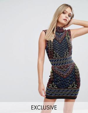 Starlet Платье мини с высоким воротом и сплошной декоративной отделкой. Цвет: мульти