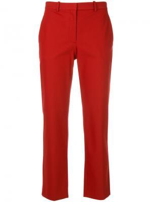 Укороченные строгие брюки Theory. Цвет: красный