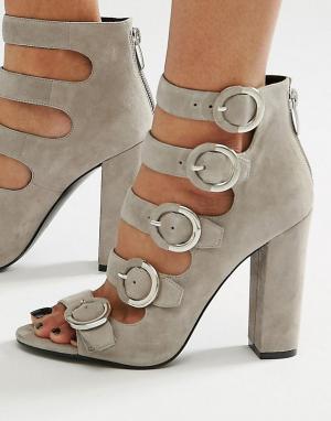 Kendall + Kylie Серые замшевые сандалии с пряжкой. Цвет: серый
