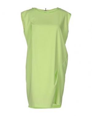 Короткое платье BONSUI. Цвет: кислотно-зеленый