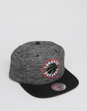 Mitchell & Ness Бейсболка Toronto Raptors. Цвет: черный