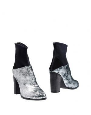Полусапоги и высокие ботинки FIORIFRANCESI. Цвет: серебристый