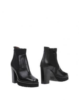 Полусапоги и высокие ботинки LAURA BELLARIVA. Цвет: черный