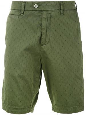 Классические шорты Perfection. Цвет: зелёный