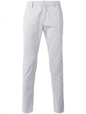 Зауженные брюки Dondup. Цвет: серый