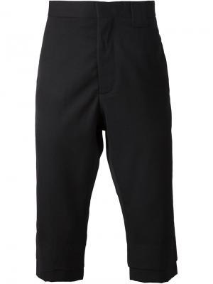 Классические шорты ниже колена Ødd.. Цвет: чёрный