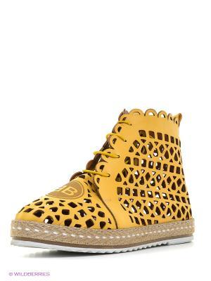 Ботинки Benta. Цвет: желтый