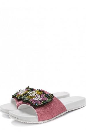 Шлепанцы с глиттером и аппликацией Monnalisa. Цвет: розовый