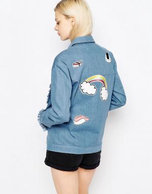 The WhitePepper Джинсовая куртка с оборками и нашивками. Цвет: синий