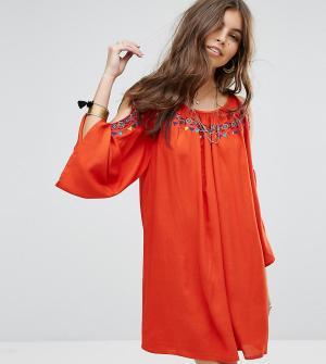 Rocca Bella Пляжное платье с вырезами на плечах и вышивкой. Цвет: красный
