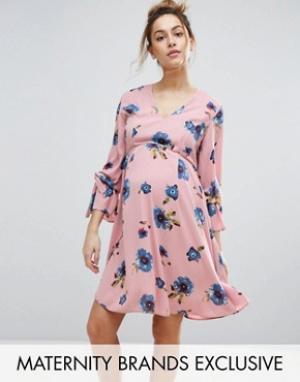 Queen Bee Свободное платье с отделкой на рукавах и цветочным принтом. Цвет: мульти