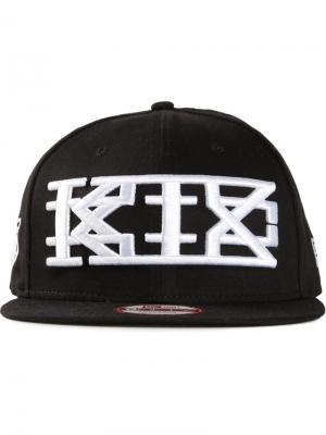 Бейсболка с белой вышивкой KTZ. Цвет: чёрный