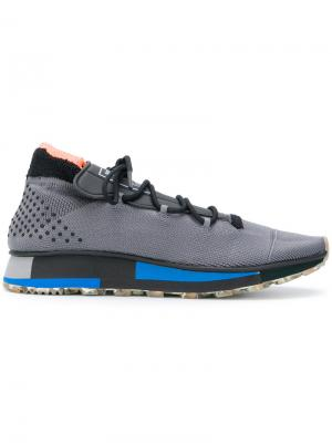 Кроссовки Run Adidas Originals By Alexander Wang. Цвет: серый