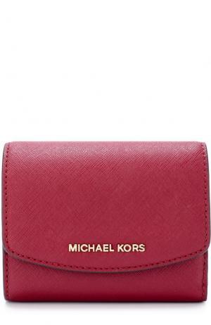 Кожаный кошелек с клапаном и логотипом бренда MICHAEL Kors. Цвет: малиновый
