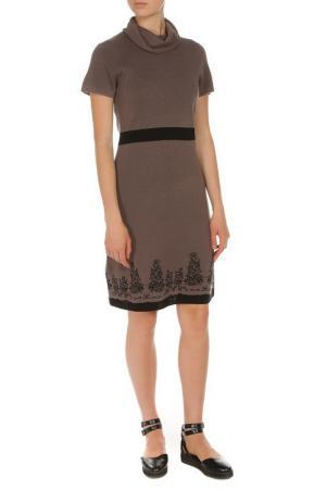 Трикотажное платье с высокой горловиной Tuzzi. Цвет: коричневый