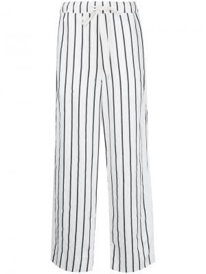 Свободные брюки в полоску Bassike. Цвет: белый
