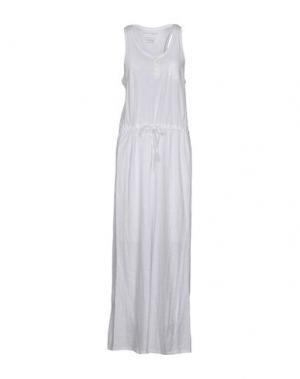 Длинное платье FINE COLLECTION. Цвет: белый