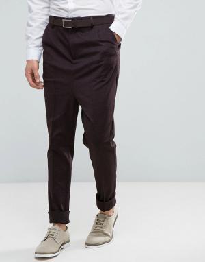 ASOS Суженные книзу бордовые брюки с отворотами и заниженным шаговым швом A. Цвет: красный