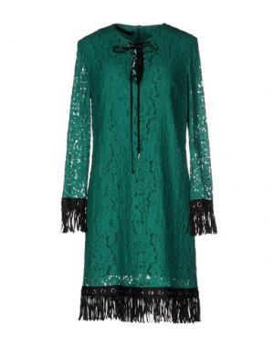 Короткое платье TENAX. Цвет: зеленый