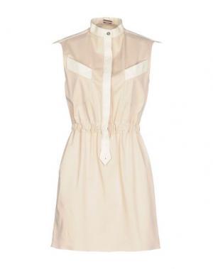 Короткое платье ALEXIS MABILLE. Цвет: бежевый