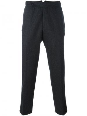 Укороченные брюки The Gigi. Цвет: серый