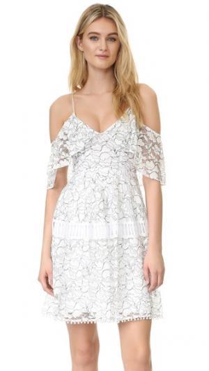 Кружевное платье N/ с баской Nicholas. Цвет: белый