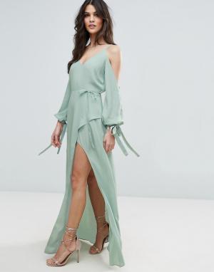 ASOS Платье макси с длинными рукавами и открытыми плечами. Цвет: зеленый