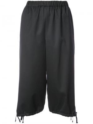 Укороченные брюки  с эластичным поясом Comme Des Garçons Girl. Цвет: чёрный